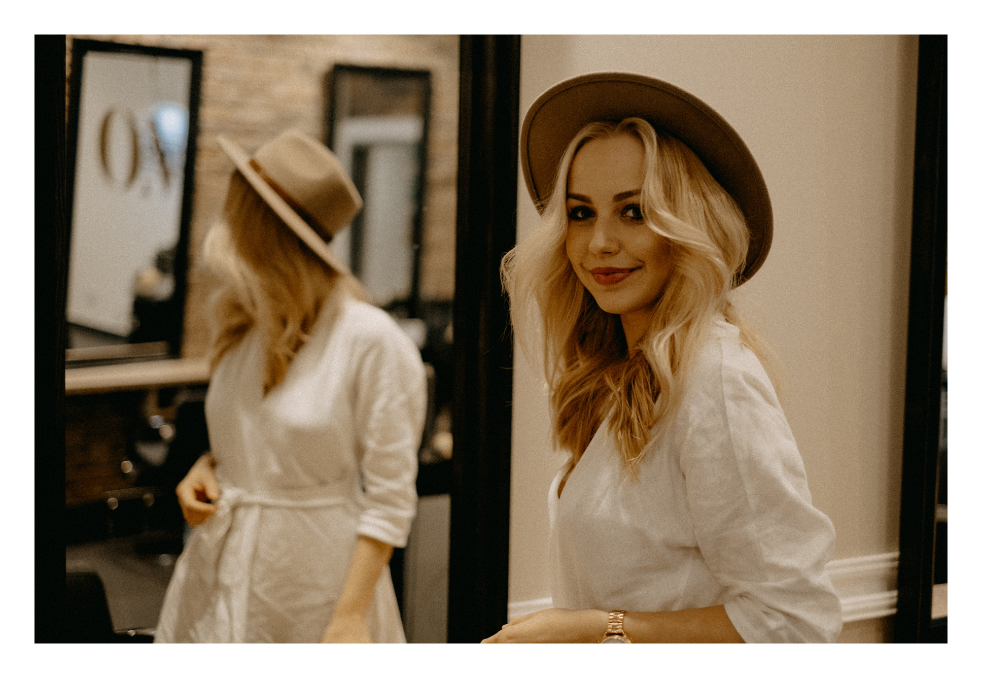 włosy blond, kapelusz recenzja omh